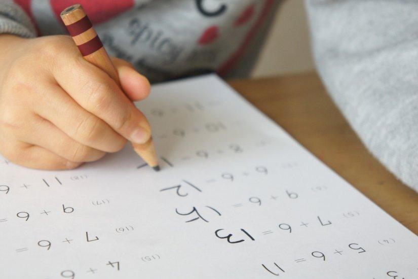 塾の集客にはチラシポスティングが効果的!?教室集客におけるポスティングの効果