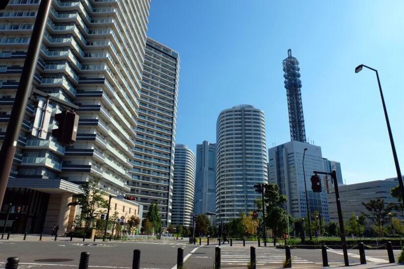 横浜の高層タワーマンション住人へ到達する、集客力アップ同梱DM