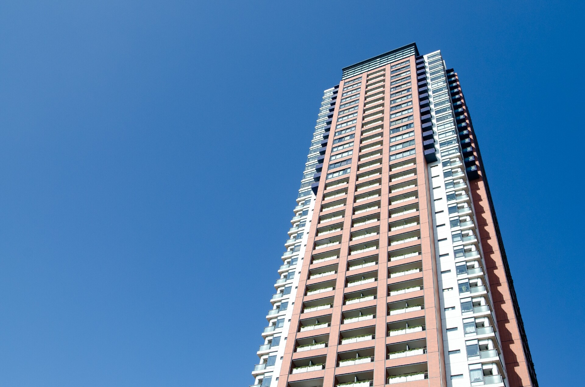 渋谷区のポスティング不可である高級マンション・高層タワーマンションにもチラシ広告をお届けします