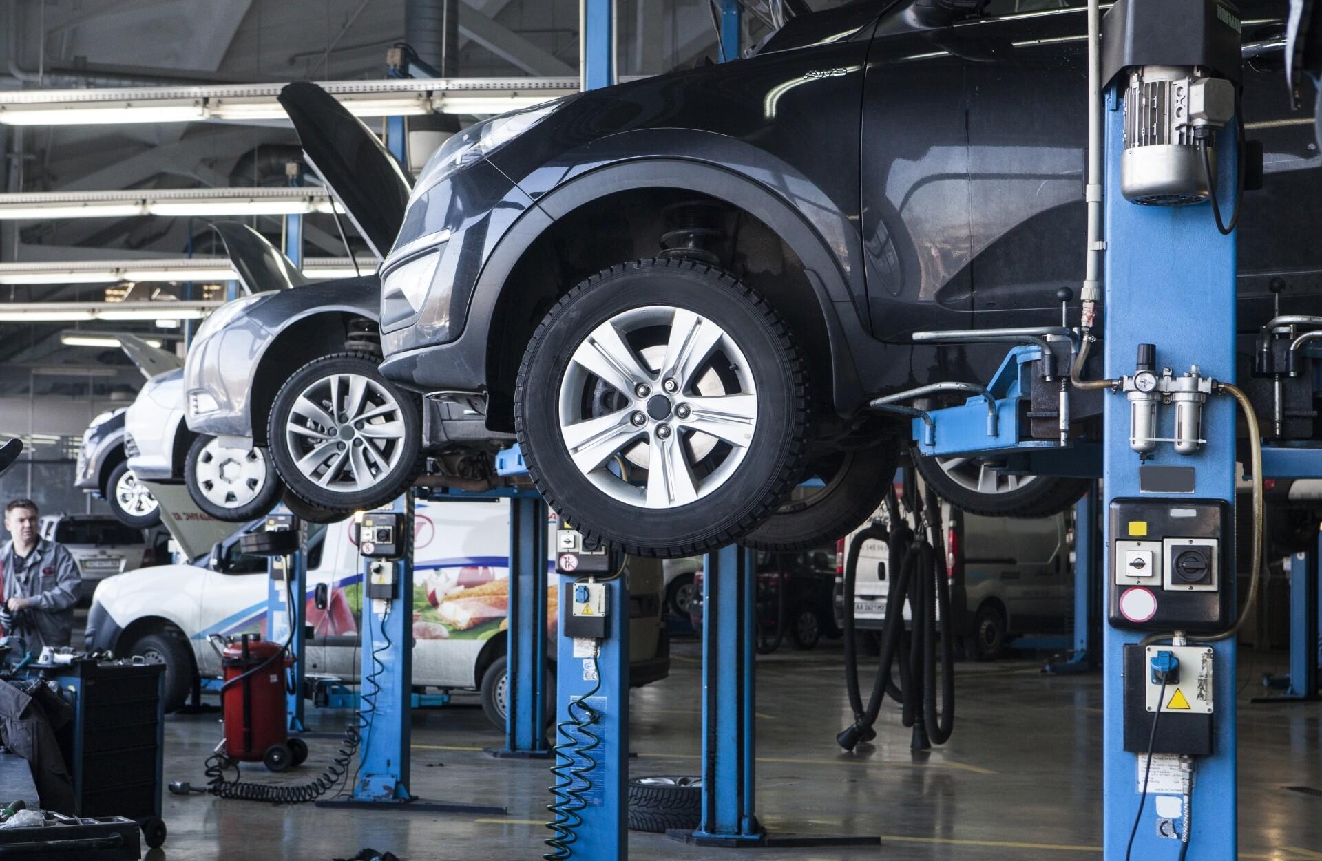 メンテナンスや車検、点検、修理、自動車保険など
