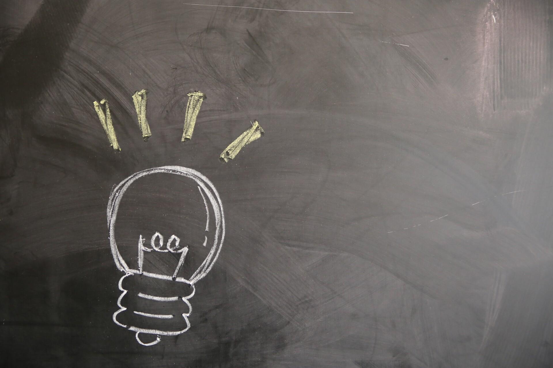 宣伝したい商品やターゲット層に合わせて、どちらの方法が有効的か検討することが重要